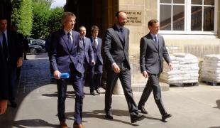 Attentats de Londres : le Premier ministre se rend au centre de crise