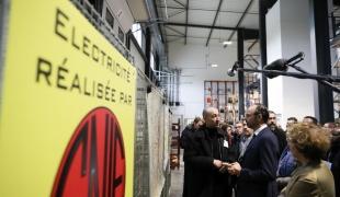 Le Premier ministre, Édouard Philippe, visite l'entreprise SNIE (Société Nouvelle Installations Electriques)