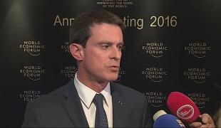 """""""La France en force à Davos pour défendre ses valeurs, son modèle économique et social et expliquer les réformes fortes et courageuses que nous menons"""""""