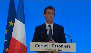 """Manuel Valls à Corbeil-Essonnes : """"Nous agissons pour préparer l'avenir, pour que l'industrie de demain naisse dès aujourd'hui en France"""""""
