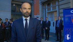 Le Premier ministre rend hommage au travail des policiers