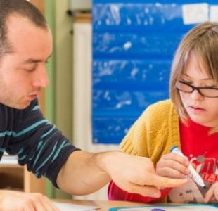 Les nouvelles mesures pour mieux intégrer à l'école les enfants en situation de handicap