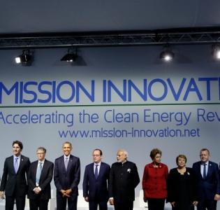 Photo lors du lancement de la Mission Innovation en marge de la COP 21 le 30 novembre 2015 au Bourget