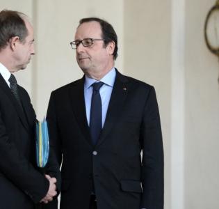 Photo de Jean-Jacques Urvoas et François Hollande à la sortie du Conseil des ministres du 3 février 2016