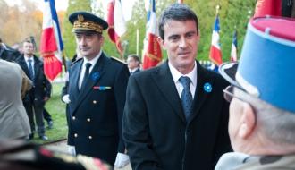 Manuel Valls lors de son déplacement à Rethondes, clairière de l'armistice