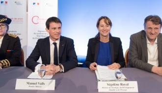 Manuel Valls et Ségolène Royal et Jean-Francois Macaire lors de la signature du CPER Poitou-Charentes