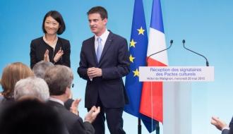 Manuel Valls et Fleur Pellerin recoivent les signataires des pactes culturels
