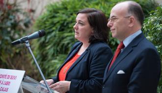 Bernard Cazeneuve et Emmanuelle Cosse lancent un Comité de suivi du plan de mise à l'abri des migrants de Calais