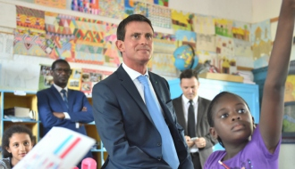Manuel Valls a visité, le 23 septembre 2016, l'école franco-sénégalaise Dial Diop à Dakar au Sénégal.