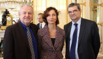 Signature de la charte «Culture-Gens du voyage et Tsiganes de France»