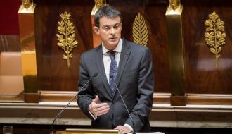 """Manuel Valls : """"Dans un monde incertain, la France assume ses responsabilités. Soyons plus que jamais unis derrière nos forces armées"""""""