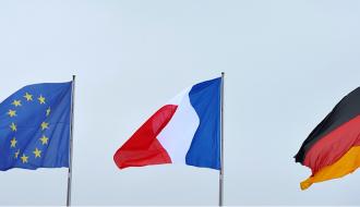 Drapeaux europeé, français et allemand