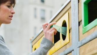 Poubelles de tri pour le recyclage
