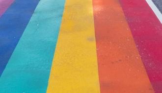 Crise sanitaire : le Gouvernement mobilisé pour les personnes LGBT+