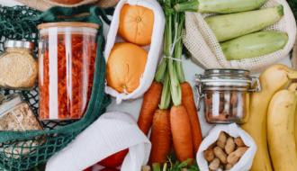 Des pots en verre pour conserver les aliments