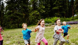 Des enfants en colonie de vacances