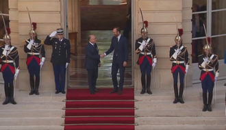 Video - Behind the scenes of the transfer of power between Bernard Cazeneuve and Édouard Philippe