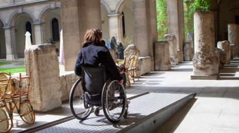 Accéder à la page dédiée à l'action L'accessibilité