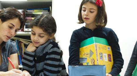 Accéder à la page dédiée à l'action Plus de moyens pour une école exigeante