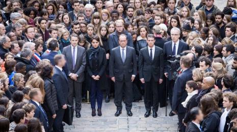 Accèder à la page Attentats de Paris : la France en guerre