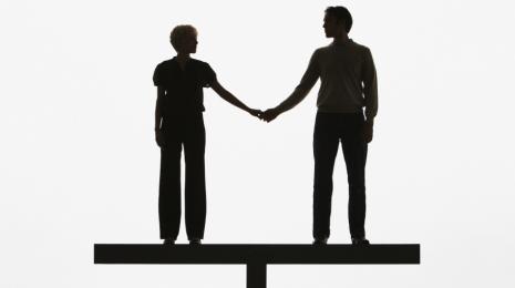 Accèder à la page Égalité femmes/hommes : un an après le lancement de la grande cause, où en sommes-nous ?