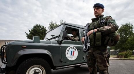 """Accèder à la page Strasbourg : le plan Vigipirate est placé au niveau """"urgence attentat"""""""