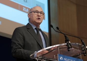 Photo de Michel Sapin lors de la conférence de presse de présentation du PLF2015