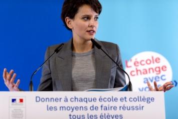 Photo de Najat Vallaud-Belkacem lors de sa conférence de presse du 17 décembre 2014