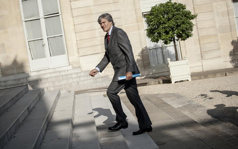 9h50, Stéphane Le Foll rejoint à l'Élysée ses collègues du Gouvernement, autour du président de la République et du Premier ministre.