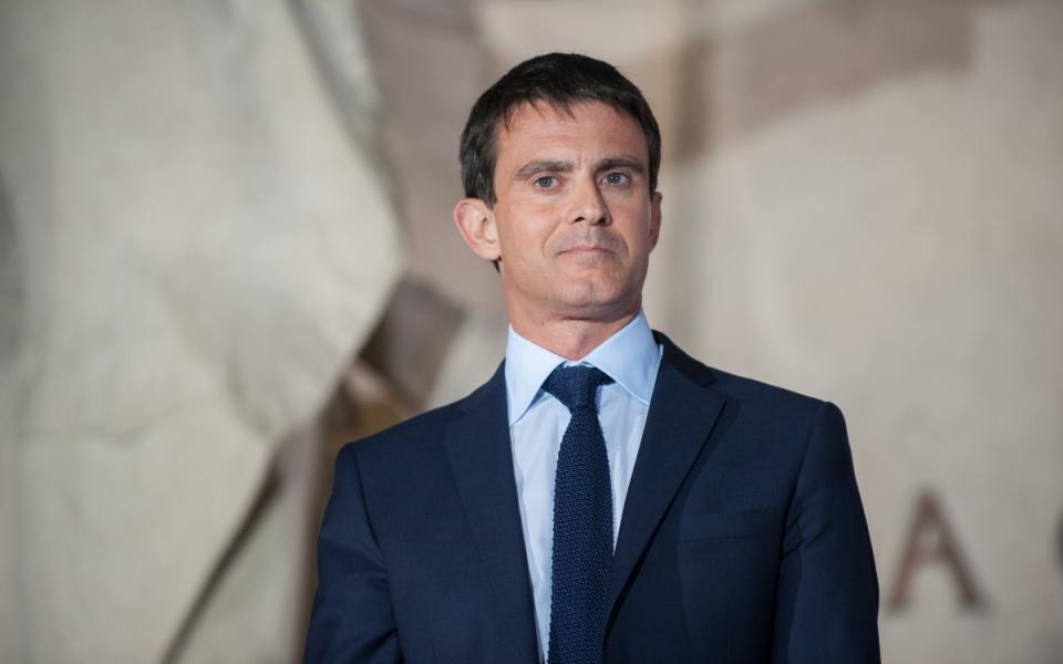 """Manuel Valls visite l'exposition """"Jaurès contemporain 1914 – 2014""""."""