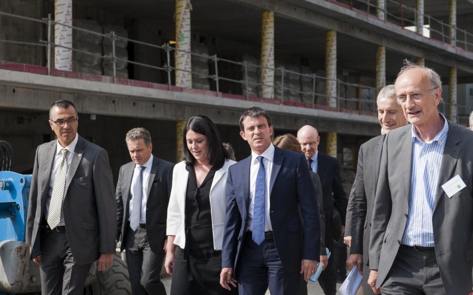 Arrivée de Manuel Valls et Sylvia Pinel.
