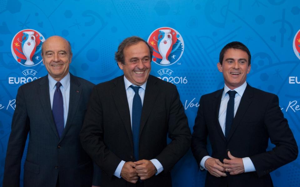 Manuel Valls, Alain Juppé et Michel Platini, président de l'UEFA