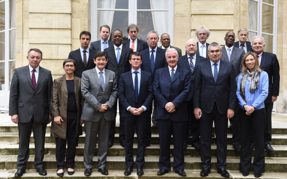 Manuel Valls avec les membres de l'Agence mondiale antidopage