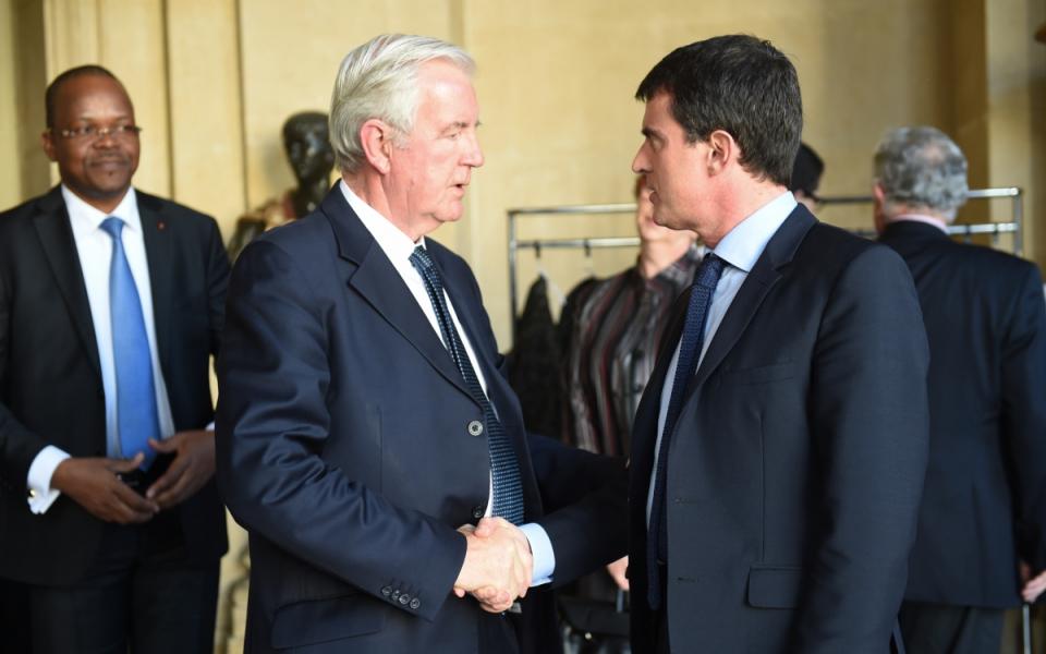 Manuel Valls et le président de l'AMA, Sir Craig Reedie