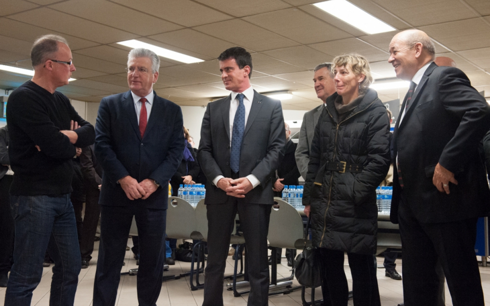 Visite de Manuel Valls à l'abattoir de porcs Gad à Josselin dans le Morbihan