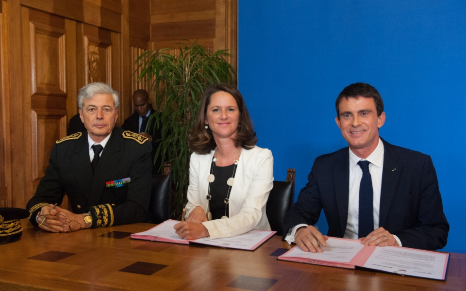 Manuel Valls, Johanna Rolland, maire de Nantes, et Henri-Michel Comet, préfet des Pays-de-la-Loire et Loire-Atlantique