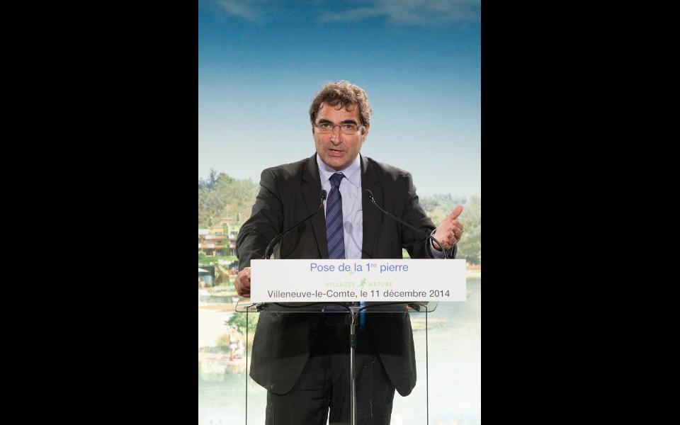"""Christian Jacob, député de la 4e circonscription de Seine-et-Marne lors de la pose de la première pierre du """"Village nature"""""""