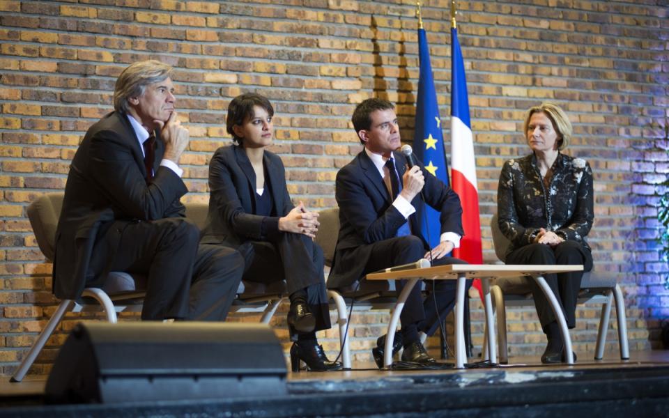 Najat Vallaud-Belkacem, Manuel Valls et Stéphane Le Foll échangent avec les lycéens