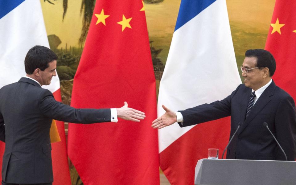 Manuel Valls et Li Keqiang au Grand Palais du peuple à Pékin