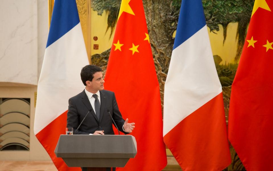 Manuel Valls lors de la conférence de presse accordée à l'issue de son entretien avec Li Keqiang à Pékin