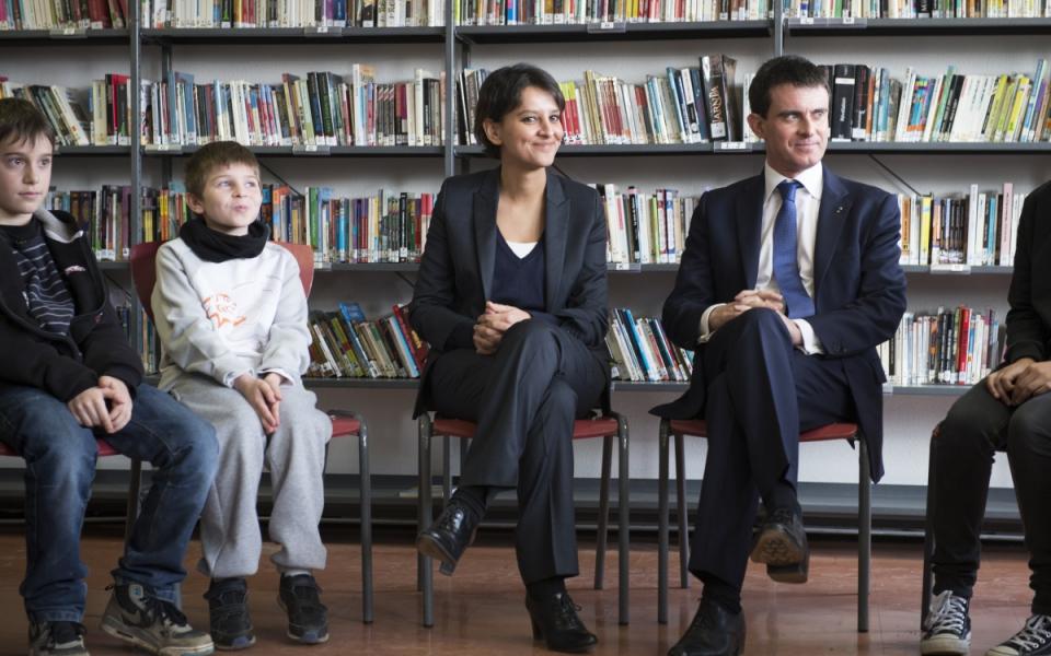 Najat Vallaud-Belkacem et Manuel Valls échangent avec les collégiens du collège Jean Moulin de Pontault-Combault