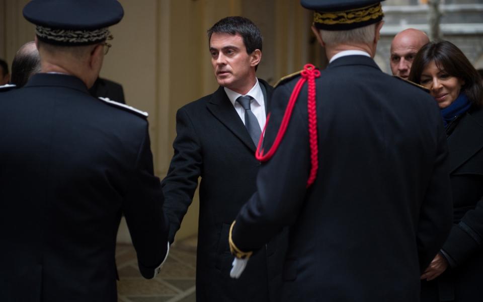 Arrivée de Manuel Valss à la cérémonie d'hommage solennel aux trois policiers victimes des attentats