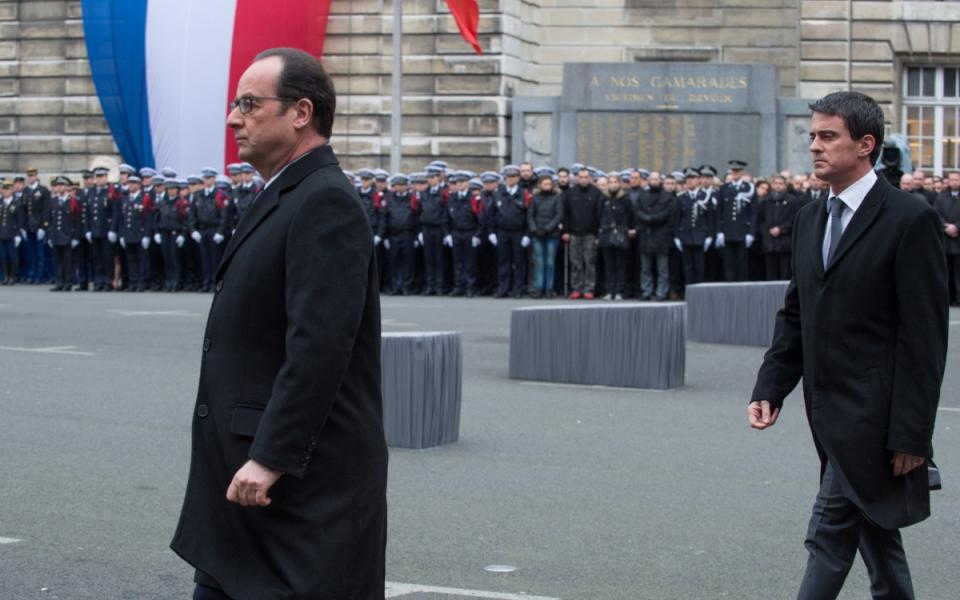 Le président de la République et Manuel Valls lors de la cérémonie d'hommage solennel aux trois policiers victimes des attentats
