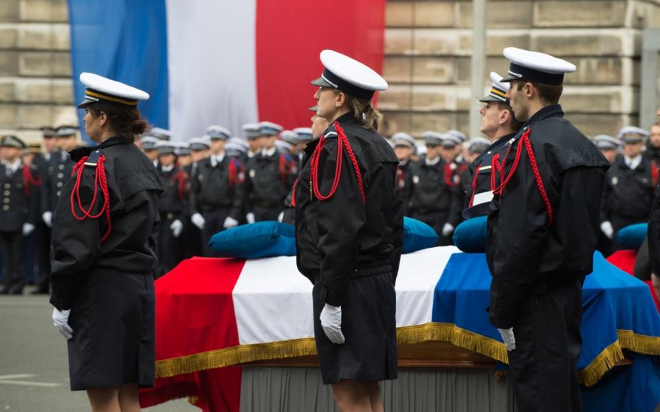 Hommage solennel aux trois policiers victimes des attentats