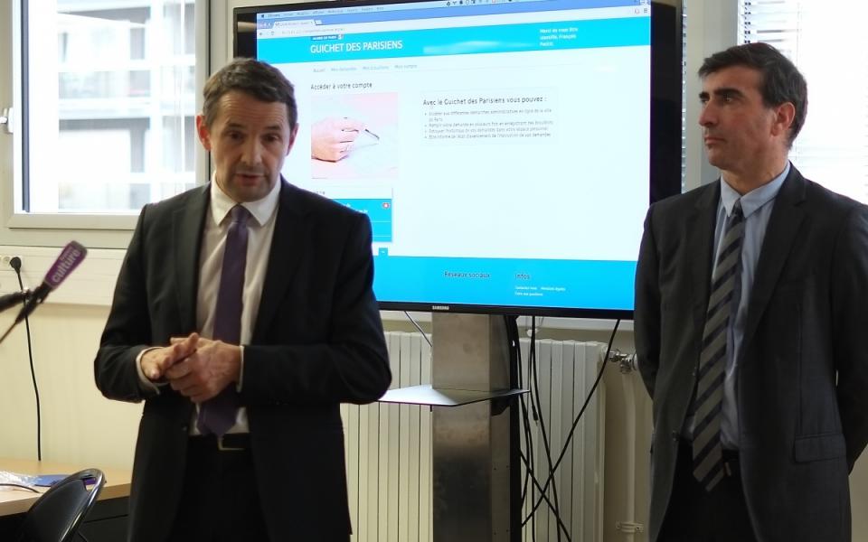 Thierry Mandon et Guillaume Blot, chef du service architecture et urbanisation à la direction interministérielle des systèmes d'information commune (Disic)