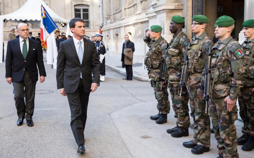 Manuel Valls et Bernard Cazeneuve à la préfecture de région