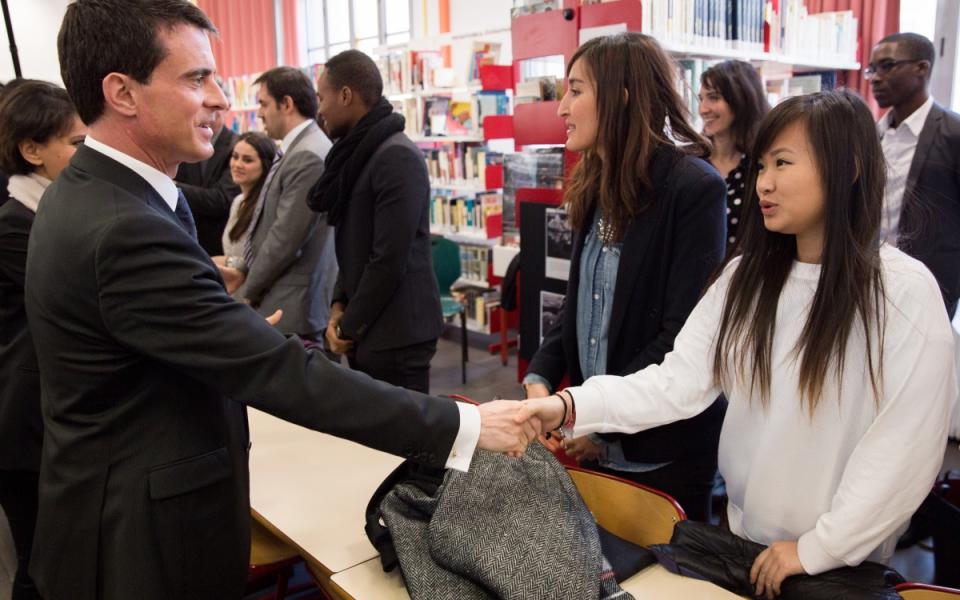 Manuel Valls à la rencontre des lycéens