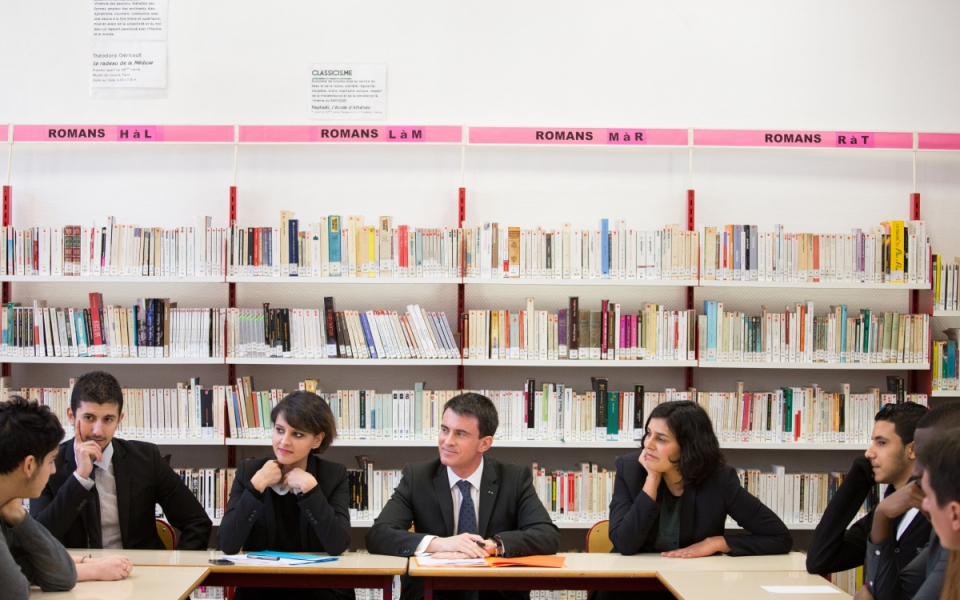 Le Premier ministre,  Najat Vallaud-Belkacem et Myriam El Khomri rencontrent des collégiens et des lycéens
