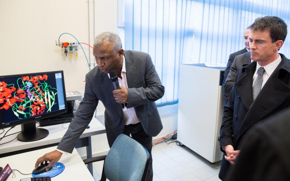 Manuel Valls visite le Campus universitaire et les laboratoires de recherche à Mont Saint-Aignan
