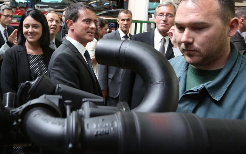 Le 12 septembre 2014, Manuel Valls et Sylvia Pinel lancent les Assises des ruralités à Fère-Champenoise, dans la Marne